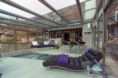 Sap vetrate in cristallo pieghevoli for Arredare giardino d inverno